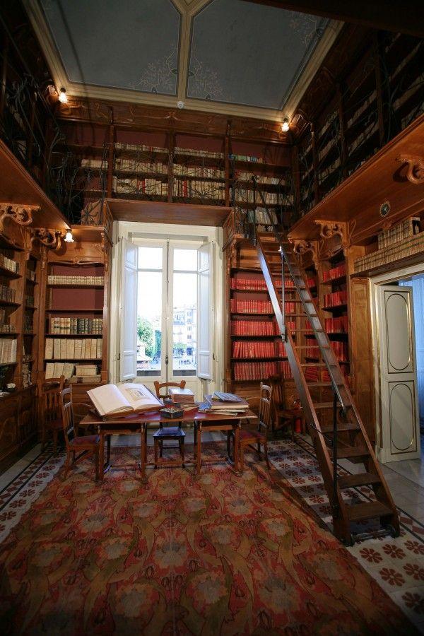 Biblioteca | Palazzo Francavilla