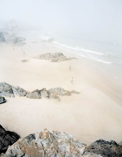 Love the foggy film over the beach, reminds me of home!