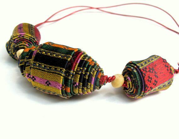 Dichiarazione collana di fibra artigianale di perle luminose