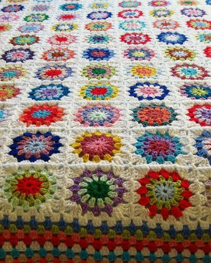 Iyi geceler��#grannysquaresblanket #vintage#moda#tasarım#handmade#craft#crocheter#etsy#homesweethome#hırka#fashion#tagforlikes#crochet#yarn#knitting#elişi#desing#dailycrochet#yatakörtüsü#bebekbattaniyesi#babyblanket#babyshower#crochetlover#love#yenidoğan#elemeği#deryabaykal#deryabaykallagülümse#cute#happy http://turkrazzi.com/ipost/1516206080559005825/?code=BUKpWWmAcCB