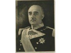 1945. Retrato de Francisco Franco con el uniforme de gala de Capitán General.