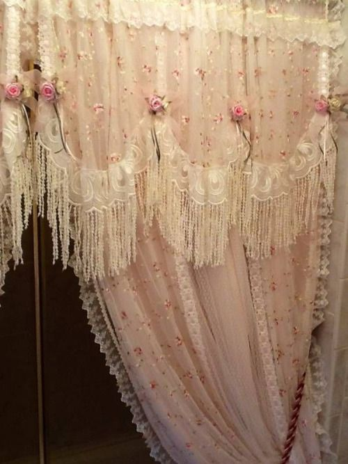 Romantic Cottage  Just love these curtains,so beautiful