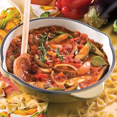 C'est la présence généreuse des légumes qui caractérisent cette sauce! Parfaite pour accompagner les pâtes aux formes originales.