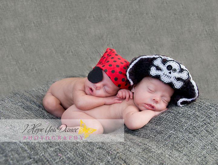 Twin boys newborn photography www ihopeyoudancephotography com