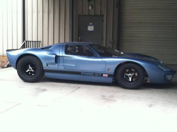 Ford Built Five Gt40 Roadsters But Only One Raced In The Ford Gt40 Ford Gt Ford Racing