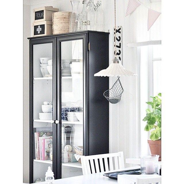 Una fresca e moderna casa svedese