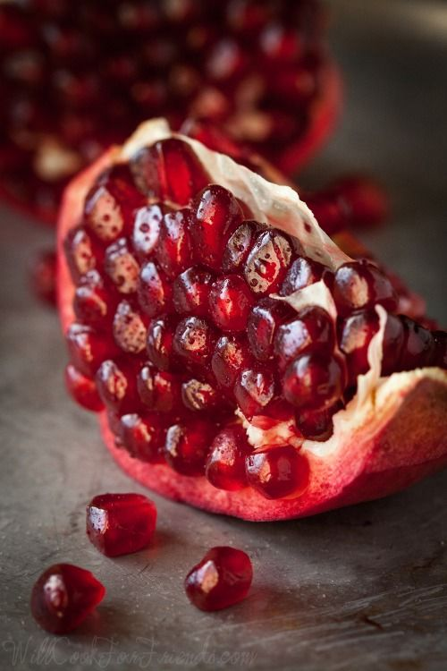 #Fall in #Sicily means...pomegranates of rubies!