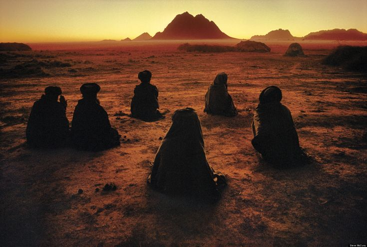Steve McCurry, National Geographic Photojournalist, Celebrated In ...