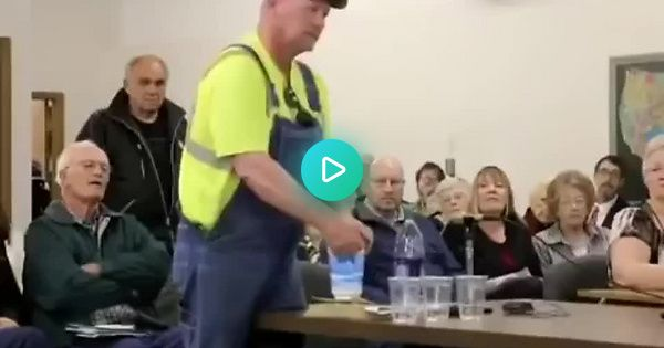Nebraskan Farmer Asks A Pro Fracking Committee Member To Honor His Word That He D Drink Water From A Fracking Location Al In 2020 Drinking Water Words Ball Exercises