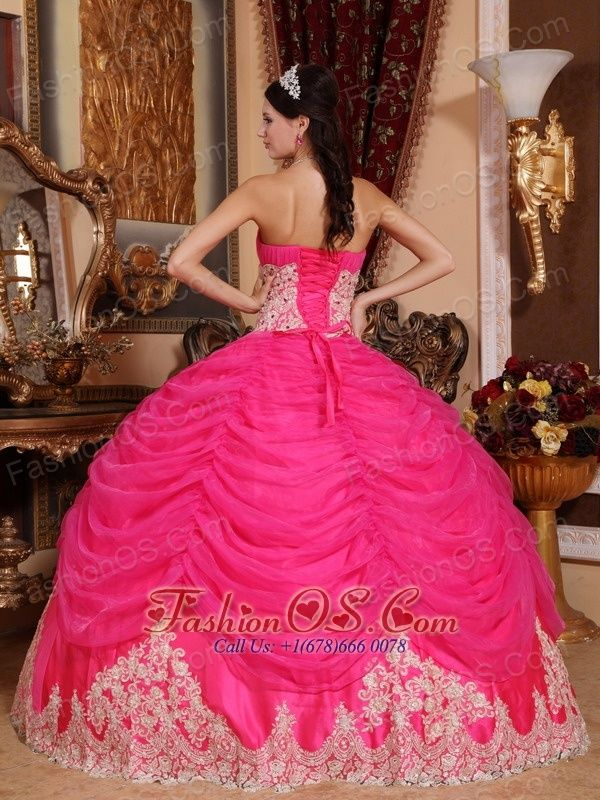 17 Best images about quince on Pinterest | Red quinceanera dresses ...