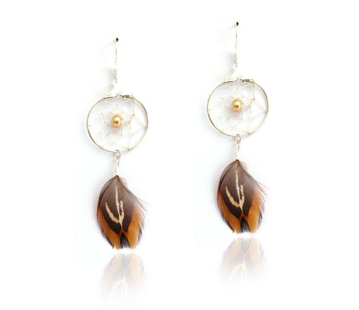 """boucles d'oreille """"IKTOMI MINI"""", attrape-rêve, plume de faisan noir/marron doré/blanc : Boucles d'oreille par sarayana"""