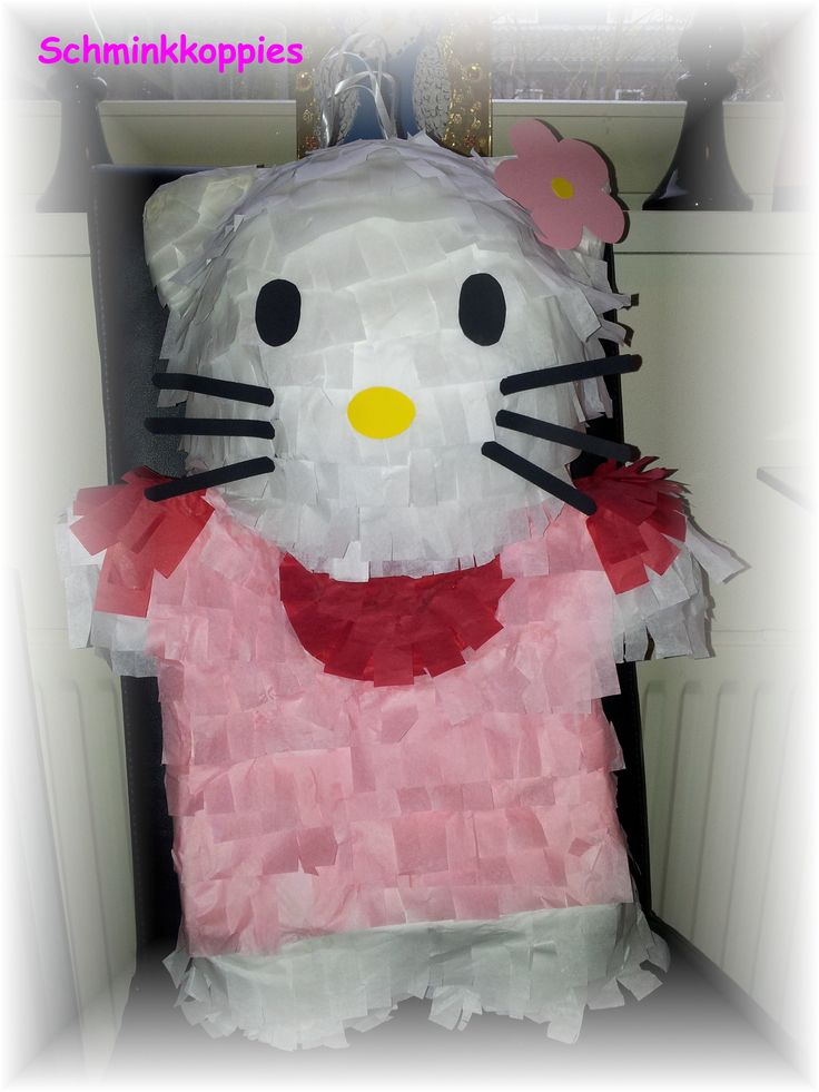Hello Kitty Pinata made by Schminkkoppies