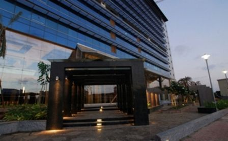 Looking for office space in Mumbai? Our Parinee Crescenzo, BKC based business centre has fully serviced office space, meeting rooms, board rooms, virtual office space and hot desking support. Inquire online or call our representative to book your office space in mumbai.http://www.newbridgeoffices.com/locations_mumbai.php