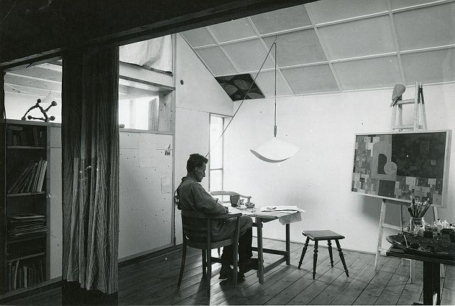 Polish architect Oskar Hansen in his flat.