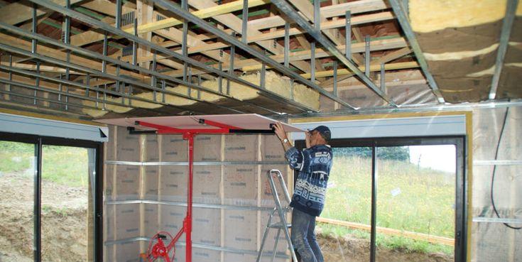 Faire un faux plafond en placo : http://www.travauxbricolage.fr/travaux-interieurs/cloison-amenagement/faire-faux-plafond-placo/