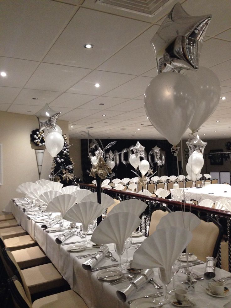 Silver theme with straight tables
