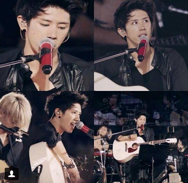 Youkubou ni Michita Seinendan (Mighty Long Fall Live at Yokohama Stadium) - Taka One OK Rock