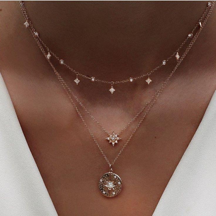 14kt gold and gray diamond starburst hammered disk necklace – Luna Skye