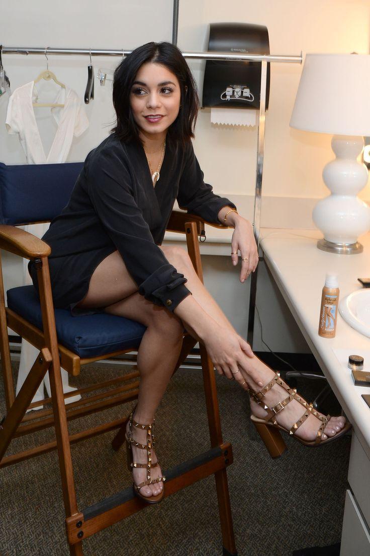 Vanessa-Hudgens-Feet-1689804.jpg (2400×3600)