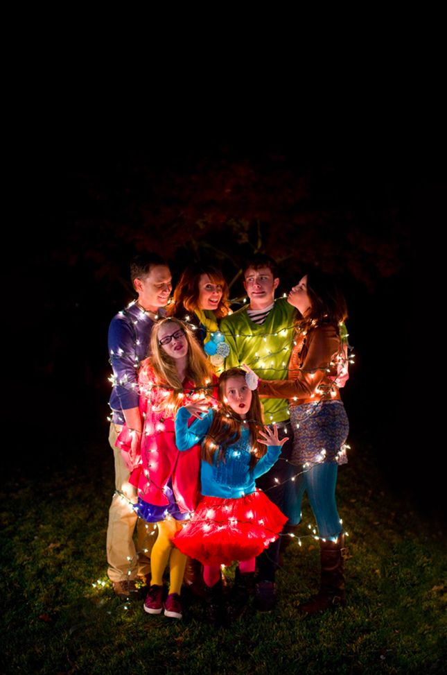 15 Hilarious Holiday Family Photo Ideas You Should Steal via Brit + Co.  -Lol! Cool idea.