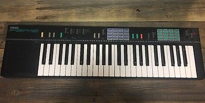 YAMAHA PSR-12 ELECTRIC PIANO KEYBOARD 50 FULL SIZE KEYS W/ Sounds