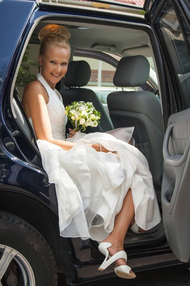 @Jutta Heisalo is the definition of elegance. She looked absolutely stunning on her big day and showed off her Mojitos like a professional model. Congratulations Jutta!