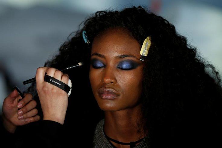 A model prepares backstage