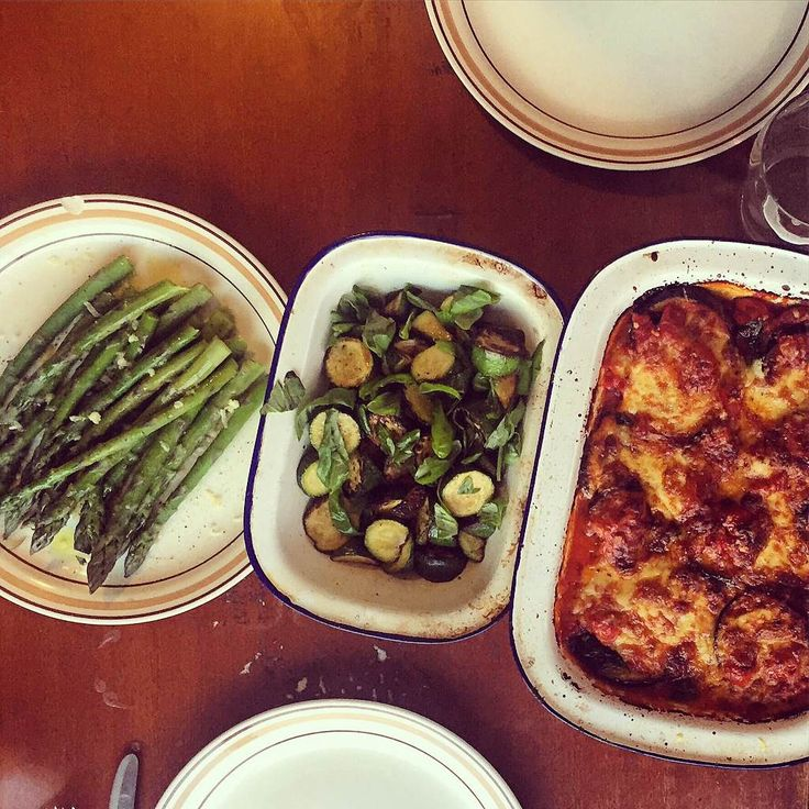 Making up for a lack of gluten with cheese is pretty much my approach to lifethese days.My version of eggplant parmigiana skips out the step of coating the eggplant in breadcrumbs which reeks of …