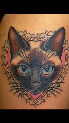 siAMESE luckycat tattoo   Tatuaggi Di Gatti Siamesi su Pinterest   Tatuaggio Pantera Nera, Lucky ...