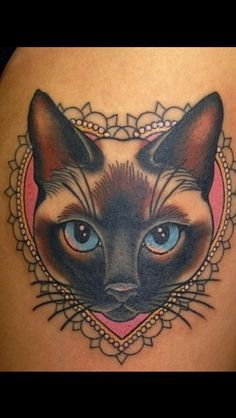 siAMESE luckycat tattoo | Tatuaggi Di Gatti Siamesi su Pinterest | Tatuaggio Pantera Nera, Lucky ...