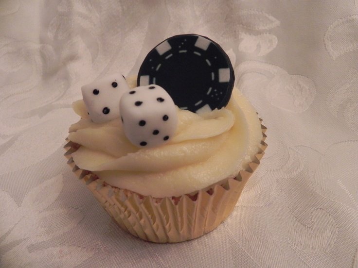 Poker cupcakes