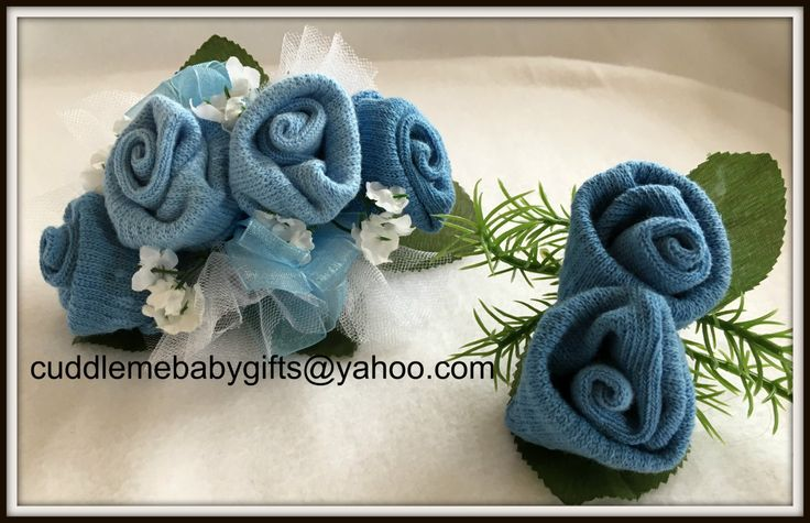 Baby Sock Corsage Baby Shower Baby Sock Corsage and Boutonniere by CuddleMeBabyGifts on Etsy @etsy  @babiesrus @huggies @mybabyfavors