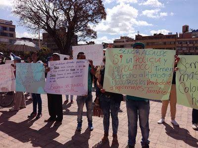 Manifestación de Vendedores Ambulantes en Duitama frente a la Administración Municipal - Lili Daza Diseño