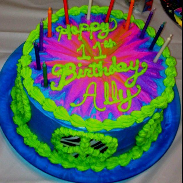 tween girl birthday cake | Tie dyed peace Girl's tween birthday cake | Ideas for my girls