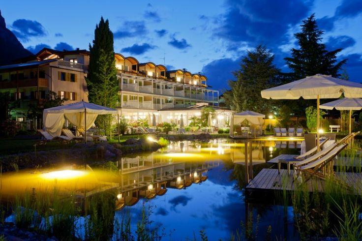 Italien, Südtirol. Herzlich Willkommen im Hotel Weingarten in St. Pauls in der Gemeinde Eppan im schönen Überetsch… wo Gäste happy sind! Mehr auf www.travelina.ch