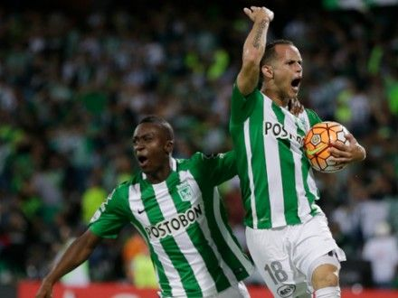 Atlético Nacional venció 3-1 a Rosario Central y se clasificó a las semifinales de la Copa Libertadores.