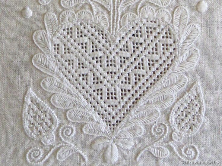 Needle weaving in a stair-step manner and rows of Rose stitches.