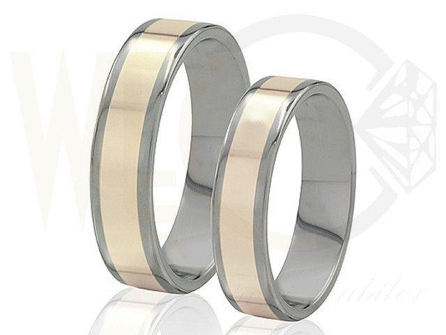 Obrączki ślubne z tytanu ze złotem/ Wedding rings made from titanium and gold/  1 861 PLN #wedding #jewellery #rings #love #gold