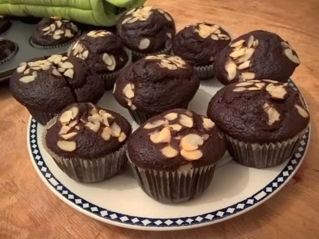 I powstał kolejny czekoladowy przepis. Wprawdzie samej czekolady nie ma w przepisie, ale kakao robi swoje :) Jak zwykle postarałam się, aby poziom trudnośc