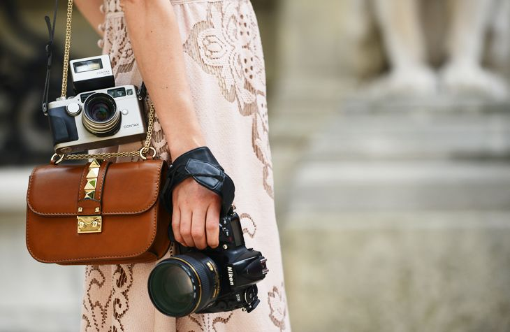 Nikon and ContaxShoulder Bags, Street Style, Vintage Cameras, Cameras Bags, Accessories, Fashion Bloggers, Lace Dresses, Old Cameras