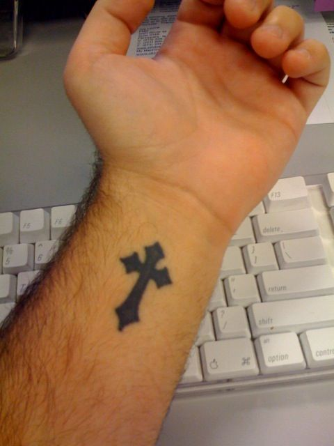 cross+tattoos+for+women | Impressive Cross Wrist Tattoo Designs For Girls | 1000FunFacts.com