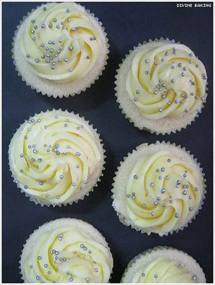 Mini Lemon Cupcakes 2
