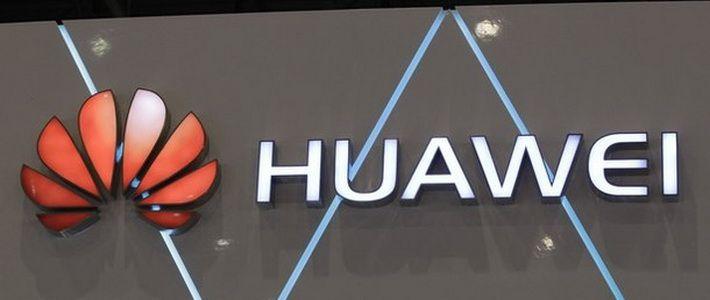 Huawei : trapelata la foto di un nuovo misterioso smartphone e di un dispositivo indossabile - http://www.tecnoandroid.it/huawei-trapelata-la-foto-di-un-nuovo-misterioso-smartphone-e-di-un-dispositivo-indossabile/