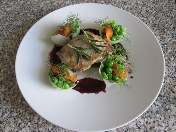 Gino D'Aquino /  Capocollo di maiale  arrosto con verdure novelle e  salsa  al vino rosso  Gino D'Aquino
