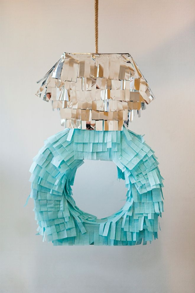 SomethingTurquoise-DIY-Pinata-Guest-Book