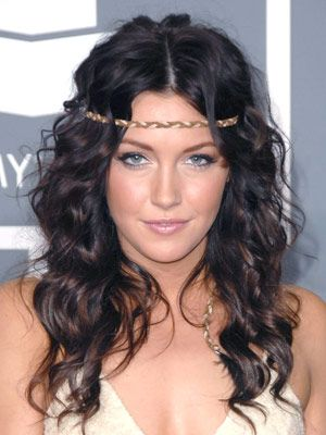 Katie Cassidy Hairstyles - February 8, 2009 - DailyMakeover.com