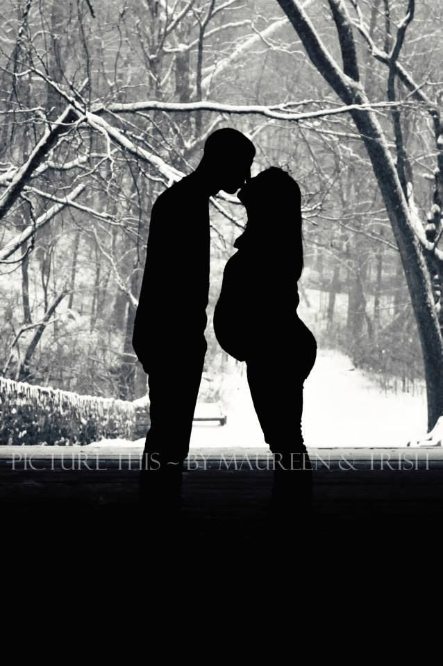 Pregnancy/Maternity/Bump photo idea - silhouette - winter Picture This: https://www.facebook.com/media/set/?set=a.546617045413406.1073741894.284707838270996&type=1