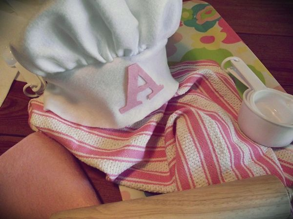 Greatfun4kids: Make an Easy Kids Chef Hat & Apron (Glue Gun Magic)