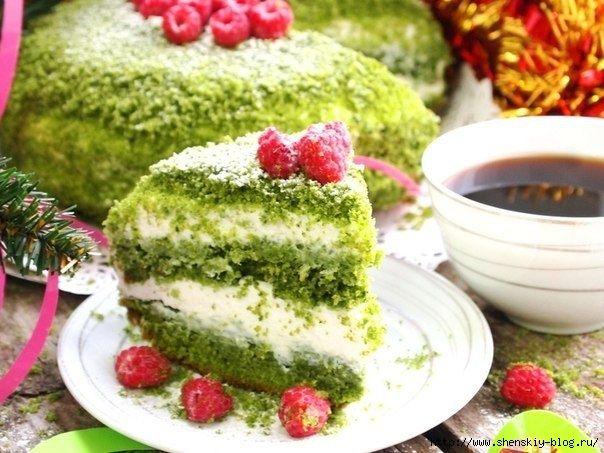 Тортик получается нежный, сочный и очень вкусный. Особенность данного торта заключается в том, что в состав бисквита не входят красители, а присутствует шпинат, который и придает ему великолепный зел…