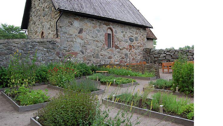 Fruktträdgård, kålgård, humlegård och örtagård - Västarvet